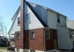 Foreclosed Home in Baltimore 21214 3214 CEDARHURST RD - Property ID: 4257898