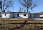 Foreclosed Home in Collinsville 62234 200 W COUNTRY LN - Property ID: 4258537