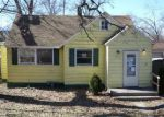 Foreclosed Home in Round Lake 60073 916 IDLEWILD DR - Property ID: 4258553