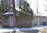 Foreclosed Home in Howell 48843 1530 WESTWOOD DR - Property ID: 4259870
