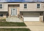 Foreclosed Home in Mount Prospect 60056 1125 S OAKWOOD DR - Property ID: 4260908