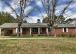 Foreclosed Home in Selmer 38375 825 CIRCLE HILL DR - Property ID: 4261745
