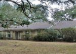 Foreclosed Home in Lake Charles 70601 2019 22ND ST - Property ID: 4262455