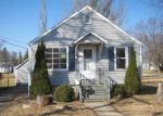 Foreclosed Home in Woodstock 60098 804 GOULD ST - Property ID: 4262898