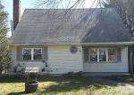 Foreclosed Home in Shirley 11967 59 OAKWOOD DR - Property ID: 4263139