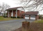 Foreclosed Home in Paintsville 41240 916 LYONS DR - Property ID: 4263940