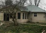Foreclosed Home in Centralia 62801 1504 ULLMAN RD - Property ID: 4263977