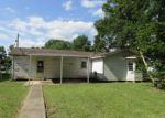 Foreclosed Home in Ville Platte 70586 213 WYBLE RD - Property ID: 4266157
