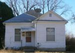 Foreclosed Home in Salina 67401 925 UNIVERSITY PL - Property ID: 4267361