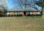 Foreclosed Home in Aberdeen 39730 1605 W COMMERCE ST - Property ID: 4272494