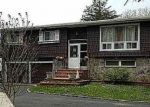 Foreclosed Home in Bethpage 11714 10 EVELYN DR - Property ID: 4272676