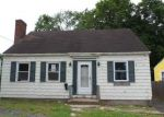 Foreclosed Home in Manchester 6042 110 CAMBRIDGE ST - Property ID: 4276396