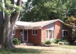 Foreclosed Home in Livonia 48152 19620 PARKER ST - Property ID: 70103974