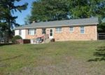 Foreclosed Home in Sandy Hook 23153 3021 SANDY HOOK RD - Property ID: 70104634