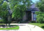 Foreclosed Home in West Bloomfield 48322 6610 BURTONWOOD DR - Property ID: 70105739