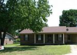 Foreclosed Home in Dyersburg 38024 1135 SUSAN LN - Property ID: 70118141