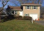 Foreclosed Home in Smithtown 11787 19 HARCOURT AVE - Property ID: 70122783