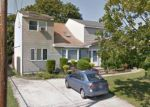 Foreclosed Home in West Babylon 11704 129 FEUSTAL ST - Property ID: 70122911