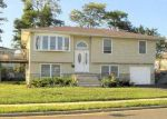 Foreclosed Home in Lindenhurst 11757 46 W SALTAIRE RD - Property ID: 70123910