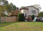 Foreclosed Home in Holbrook 11741 275 S ROBERTS ST - Property ID: 70125261