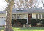 Foreclosed Home in Huntington Station 11746 23 COE PL - Property ID: 70129868