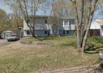 Foreclosed Home in Medford 11763 2906 CHESTNUT AVE - Property ID: 70131967