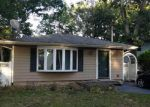 Foreclosed Home in Patchogue 11772 21 BLISS ST - Property ID: 6206358