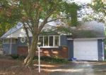Foreclosed Home in Dix Hills 11746 3 WOODEDGE DR - Property ID: 6266667