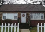 Foreclosed Home in West Babylon 11704 25 BOARD PL - Property ID: 6278799