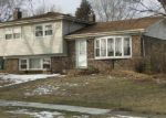 Foreclosed Home in Schaumburg 60193 634 MERLIN DR - Property ID: 6279996