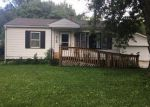Foreclosed Home in Waterloo 50702 316 2ND ST - Property ID: 6293017