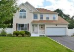 Foreclosed Home in Medford 11763 17 BLOOMINGTON ST - Property ID: 6294051