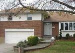 Foreclosed Home in Westbury 11590 818 REGENT DR - Property ID: 6294988