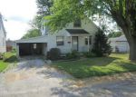 Foreclosed Home in Waterloo 62298 607 STIENING ST - Property ID: 6300040
