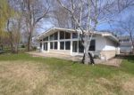 Foreclosed Home in Mundelein 60060 17 SUNSET LN - Property ID: 6305910