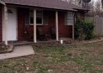 Foreclosed Home in Fairdale 40118 8610 OGLESBY CT - Property ID: 6308005