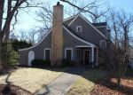 Foreclosed Home in Lake Bluff 60044 132 OAK TER - Property ID: 6308012