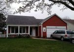 Foreclosed Home in Mundelein 60060 1001 THOMAS BLVD - Property ID: 6309420