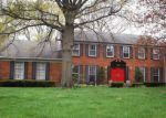 Foreclosed Home in West Bloomfield 48322 5552 FOX HUNT LN - Property ID: 6310067