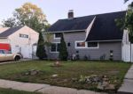 Foreclosed Home in Wantagh 11793 256 WILLOWOOD DR - Property ID: 6310795