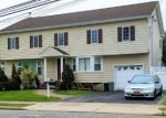 Foreclosed Home in Farmingdale 11735 68 HAMPSHIRE DR - Property ID: 6311495