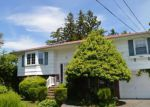 Foreclosed Home in West Babylon 11704 583 CENTERWOOD ST - Property ID: 6311810