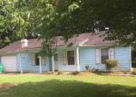 Foreclosed Home in Stone Mountain 30083 3883 WOOD PATH DR - Property ID: 6312190