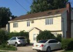 Foreclosed Home in Valley Stream 11580 21 N HENRY ST - Property ID: 6313019