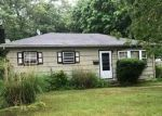 Foreclosed Home in Blue Point 11715 46 EATONDALE AVE - Property ID: 6313022