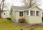 Foreclosed Home in Cicero 13039 7112 LAKESHORE RD - Property ID: 6313206