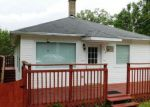 Foreclosed Home in Fox Lake 60020 106 FOREST AVE - Property ID: 6314144