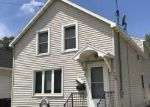 Foreclosed Home in Green Bay 54302 725 N IRWIN AVE - Property ID: 6314543