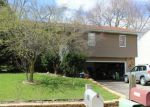 Foreclosed Home in Cary 60013 104 MEADOW LN - Property ID: 6314865