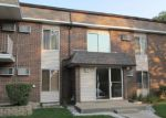 Foreclosed Home in Buffalo Grove 60089 1105 MILLER LN APT 208 - Property ID: 6316170